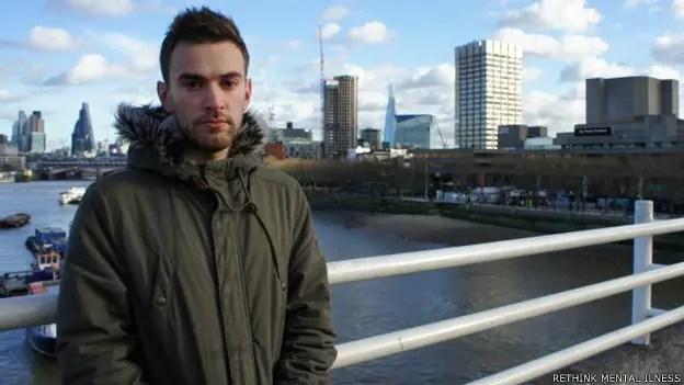 Jonny Benjamin é um dos milhares de britânicos que tentaram suicídio