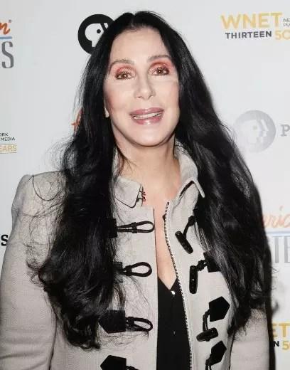 """Cher retomou a carreira com o show """"Dressed to Kill"""", que estreou em maio"""