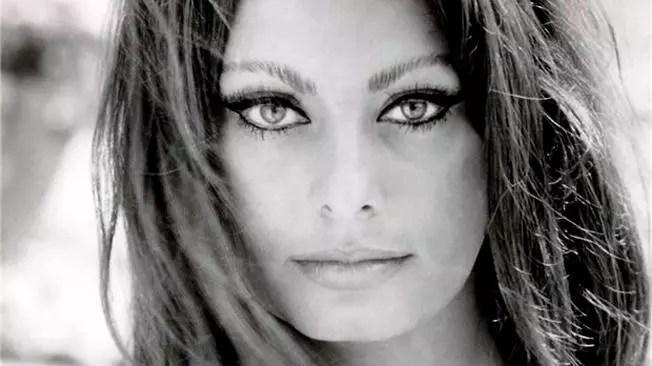 Sophia Loren foi uma das muitas celebridades que  o cirurgião operou