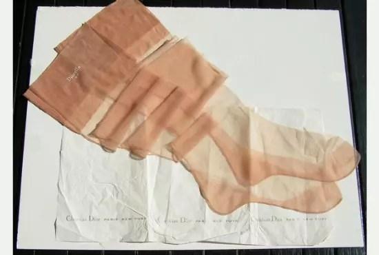 Par de meias de Marilyn Monroe arrematados em um leilão, em 2009