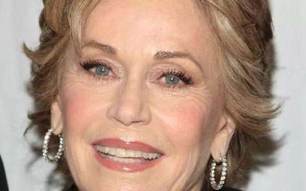 A magnífica Jane Fonda, aos 77 anos, nos brinda com esta comédia
