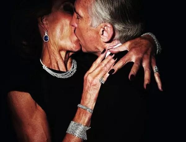 O atrevimento de mostrar a paixão de um casal de velhos