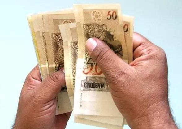 São bilhões de reais, no Banco do Brasil e na Caixa Econômica à espera de quem contribuiu para os fundos