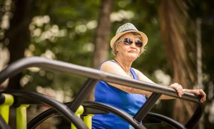 Com amigos. Marli Pereira, de 70 anos, é aposentada e divide uma casa com amigos