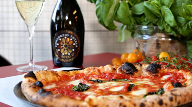 Pizza e Prosecco: l'abbinamento di Guglielmo Vuolo