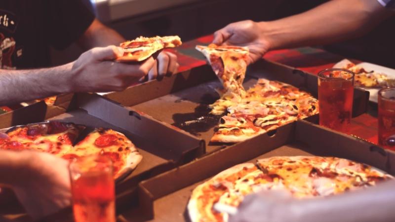 Come si mangia la pizza dice chi siamo