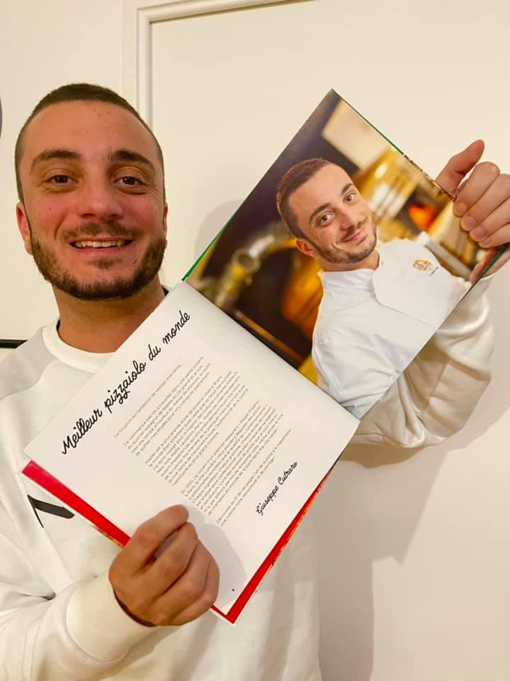 Peppe_Cutraro_con_libro