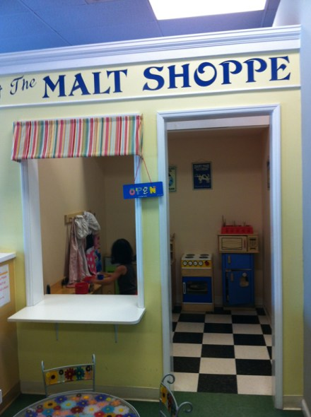 adorable play malt shoppe