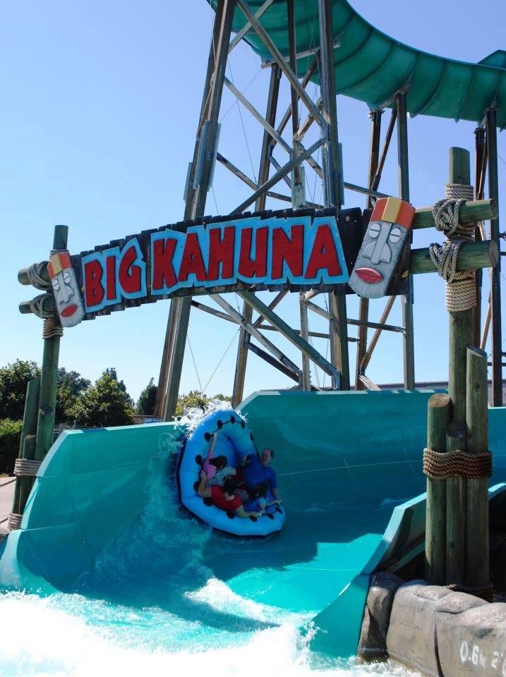 Waterworld's Big Kahuna slide | California Waterparks