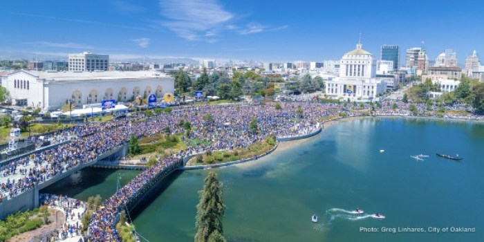 overhead view of the Warriors Parade in 2017