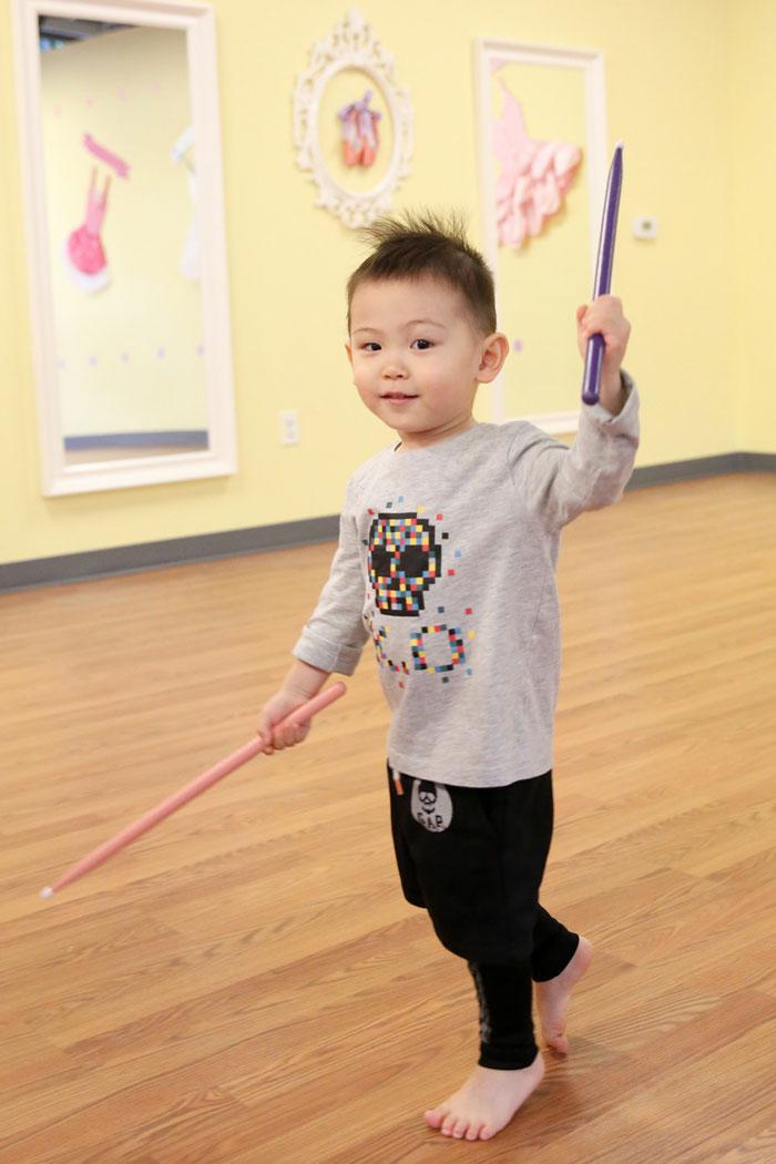 toddler boy dancing