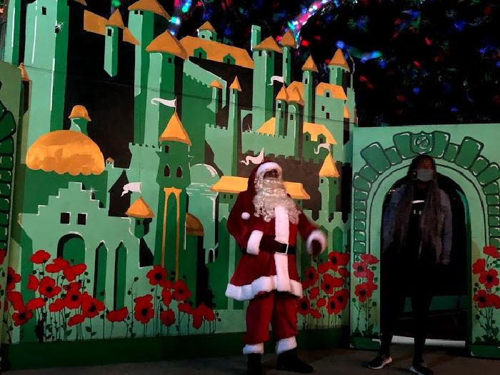 Santa parade at Fairyland