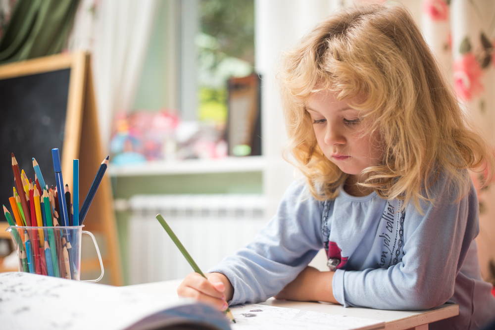 A Bare-Bones Daily Schedule for Those Who Just Cannot With School At Home
