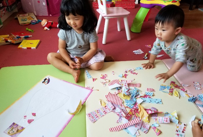 25 Super Duper Activities to do with Kids at Home