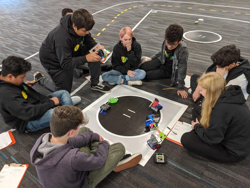 ninth graders learn about robotics