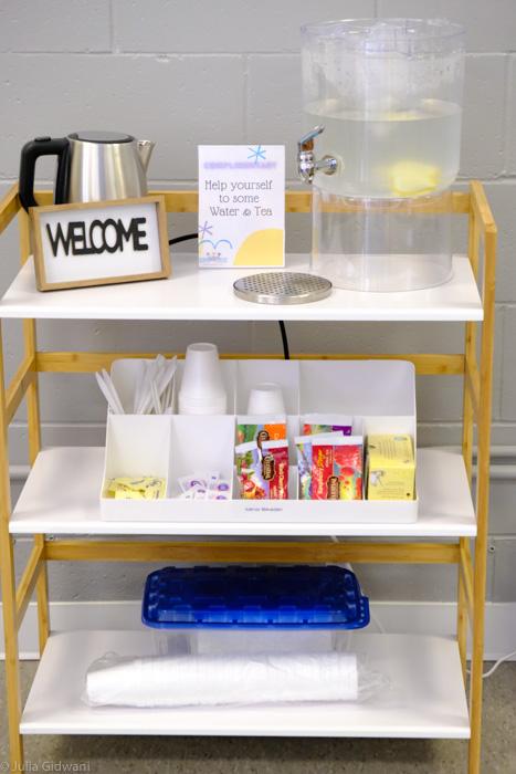 Free water and tea at Kids Play Zone! | Photo: Julia Gidwani