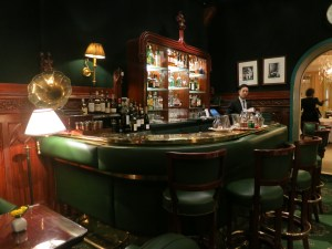 duke's classic cocktails in paris