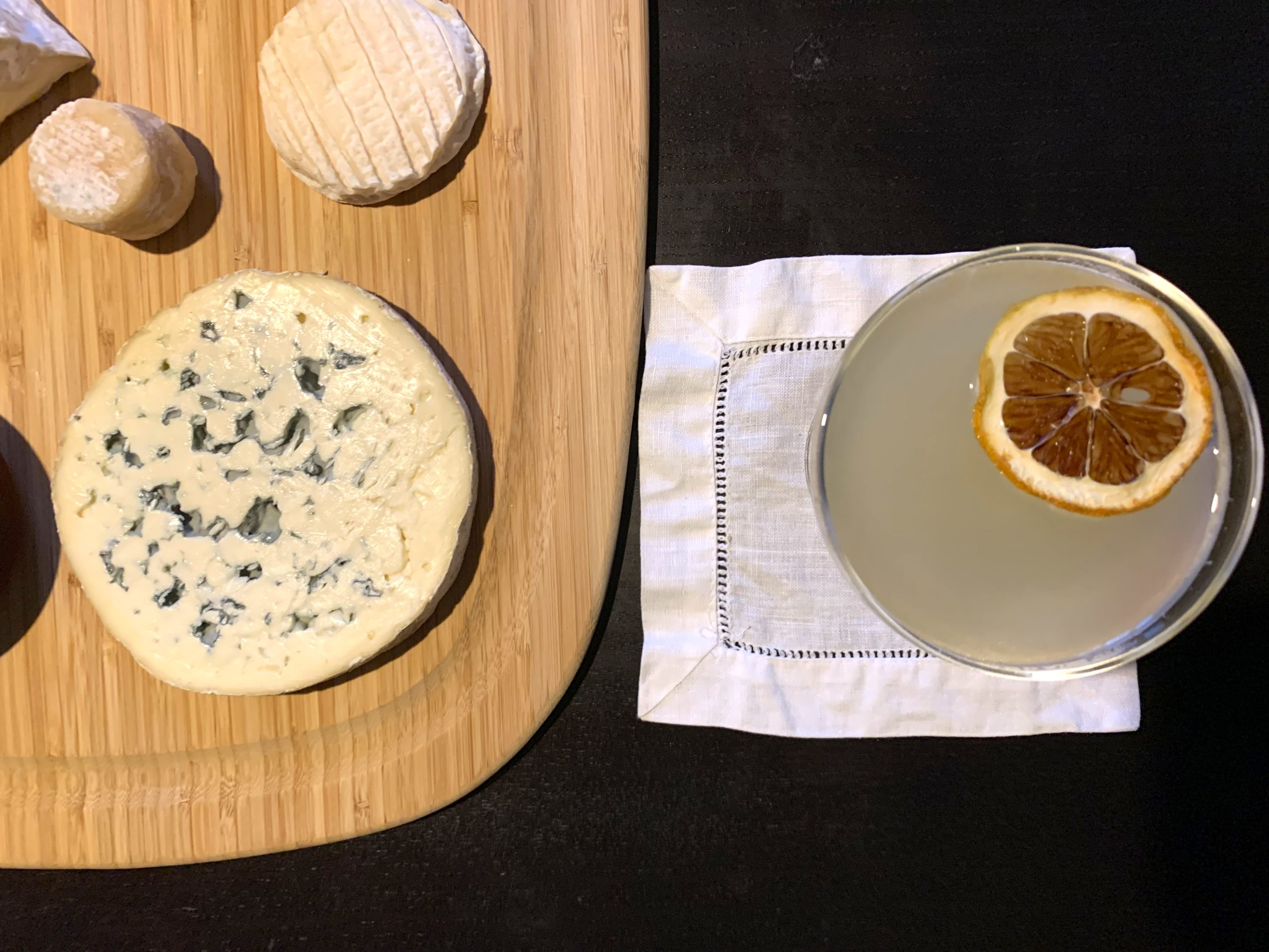 bee's knees cocktail cheese pairing