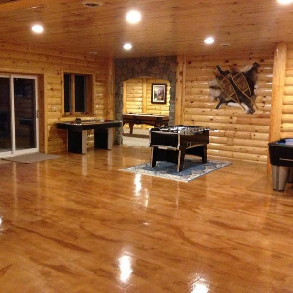 polished concrete flooring stainted to look like wood