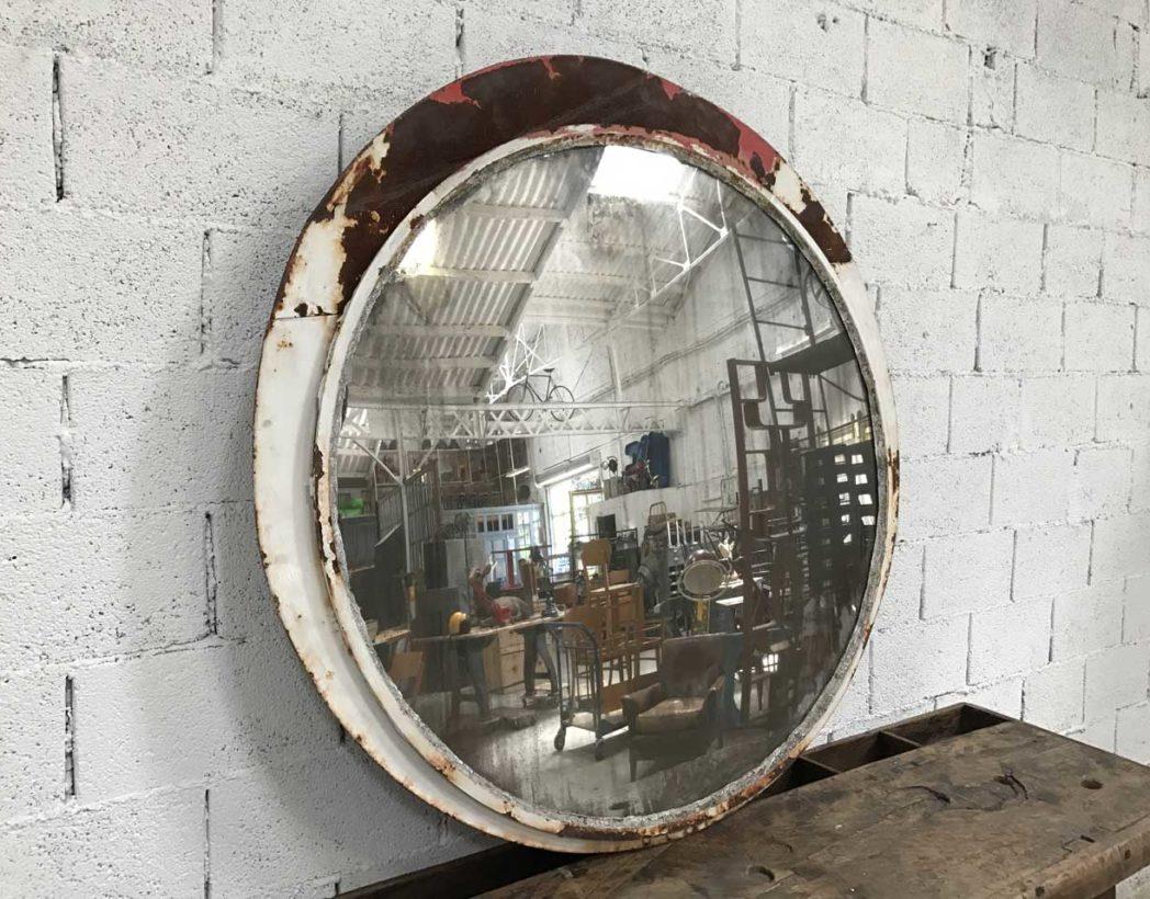 ancien grand miroir convexe