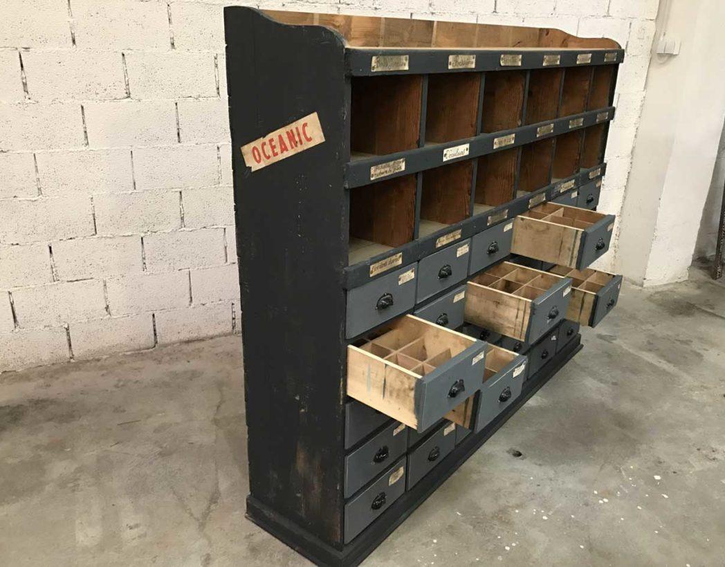 ancien meuble de metier en bois 30 tiroirs de garage 1930
