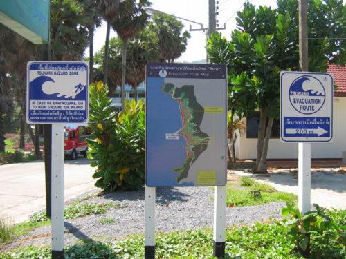 Tsunami evacuation signage