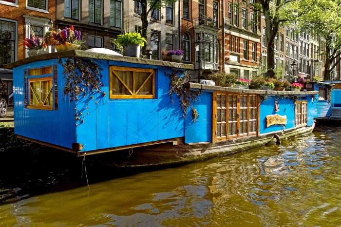 barge Amsterdam