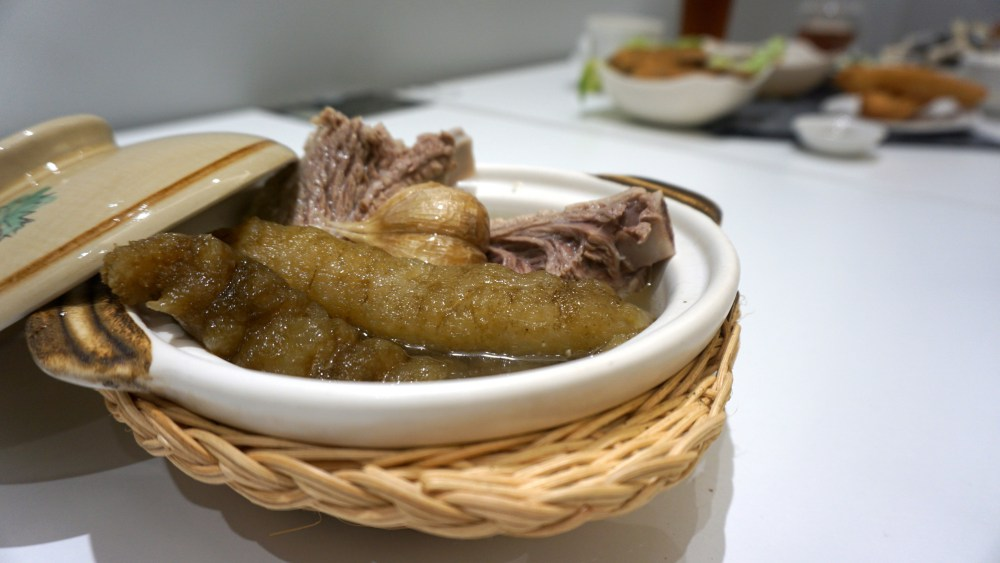Pork rib soup with sea cucumber 2