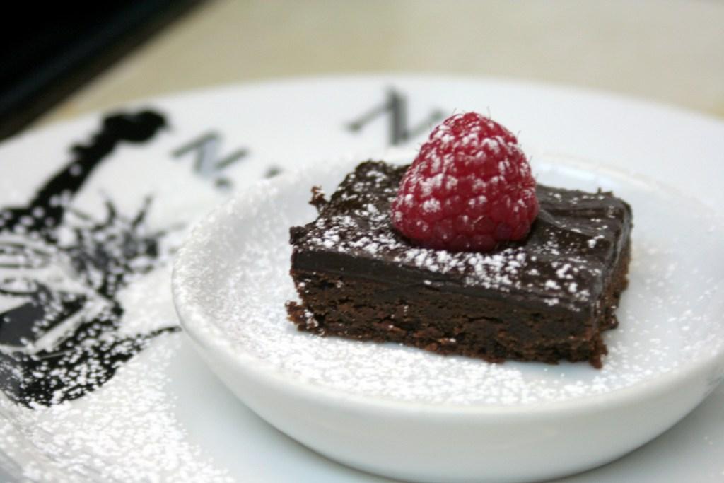 5 star cookies raspberry cake alone