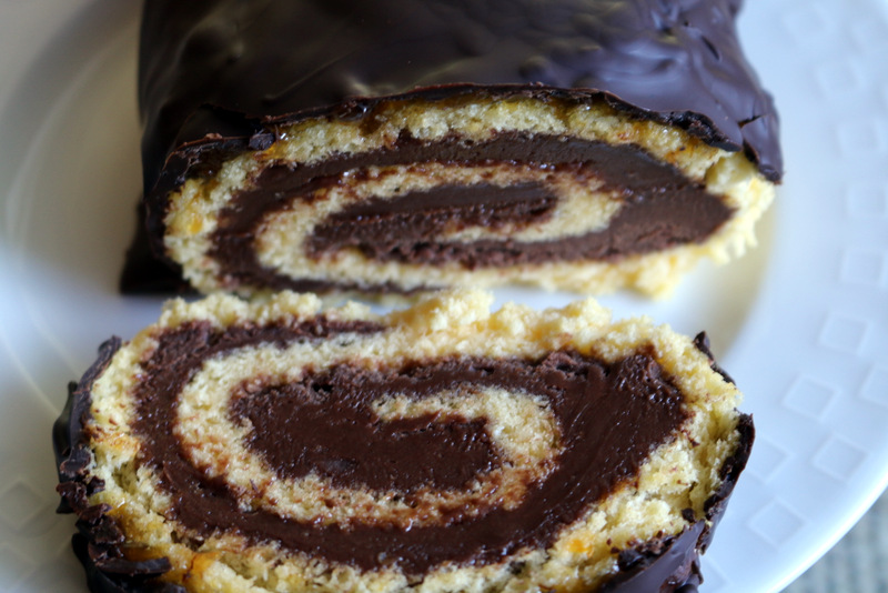 Nutella Roulade from best food blog 5starcookies and cookie