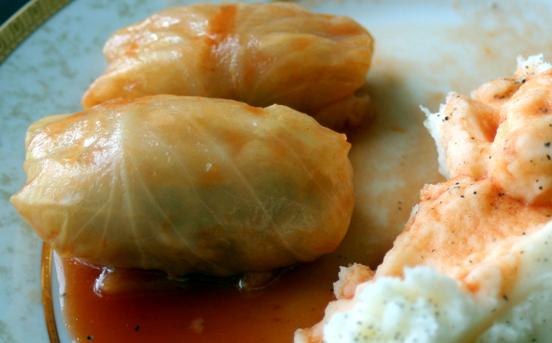 cabbage rolls with mashed potatoes