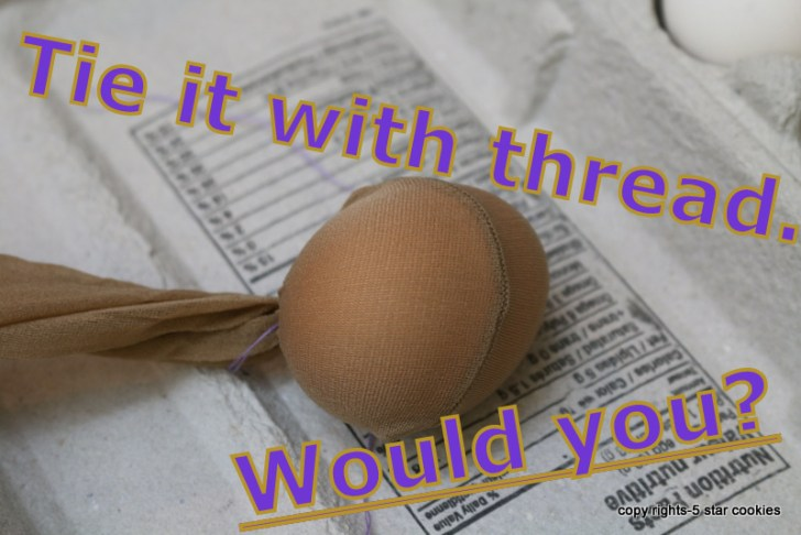 naturally dyed eggs using onion skin 5starcookies food blog tie it with thread