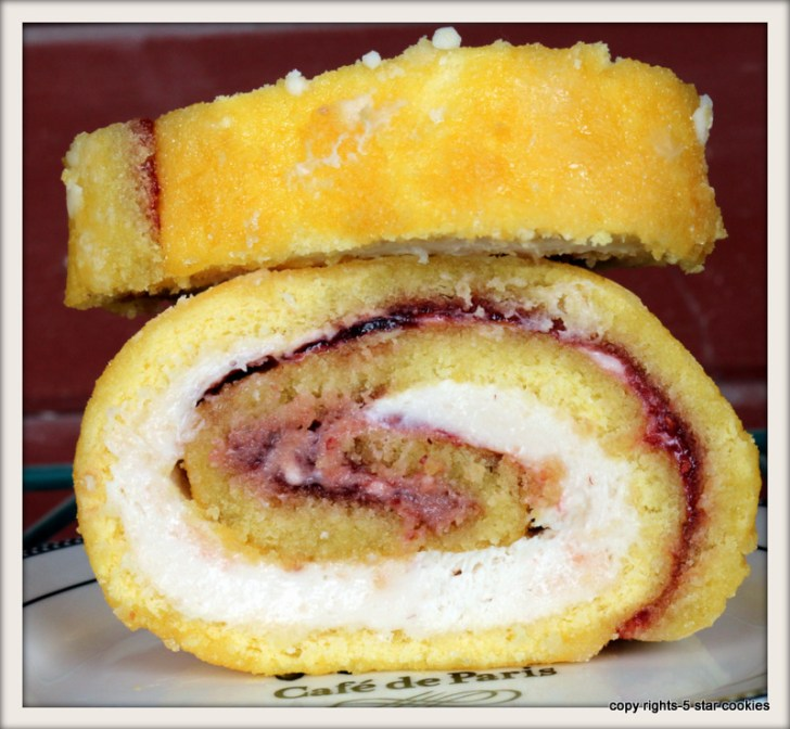 Raspberry Roulade from the best food blog 5starcookies and Cookies