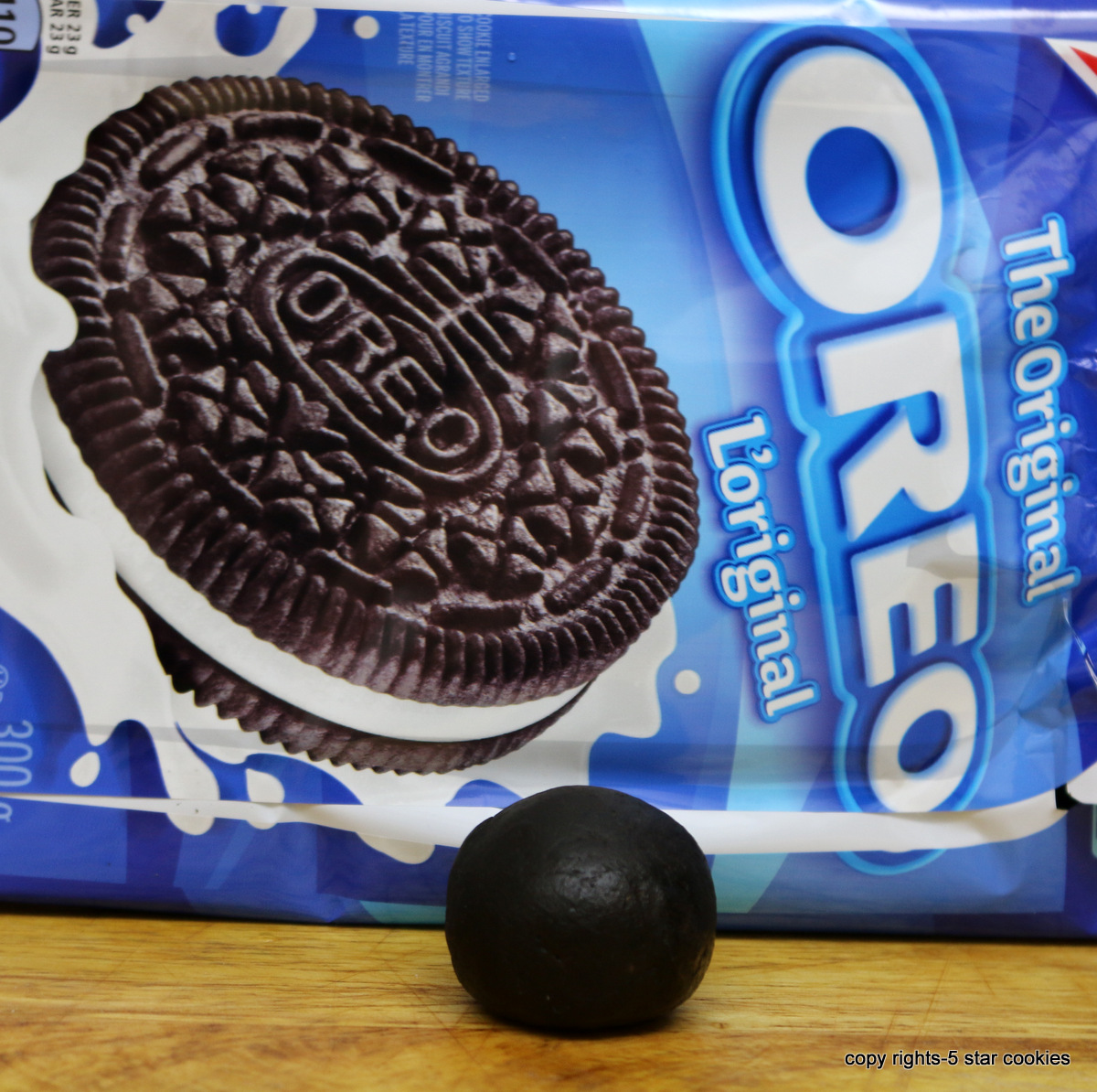 Oreo Truffles from the best food blog 5starcookies -Make small balls