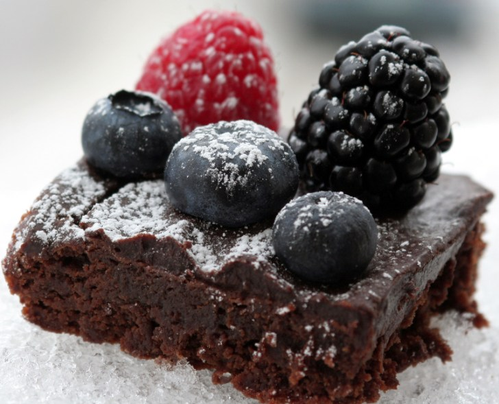 Raspberry Truffle Cake from the best food blog 5starcookies
