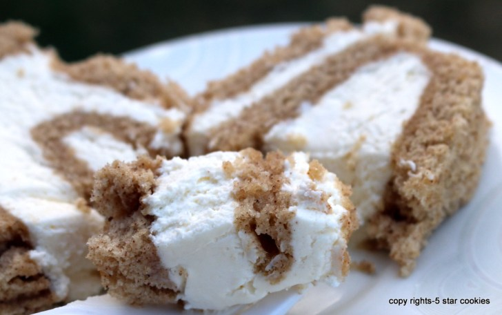 Cinnamon Cheese Roll from the best food blog 5starcookies and cookie