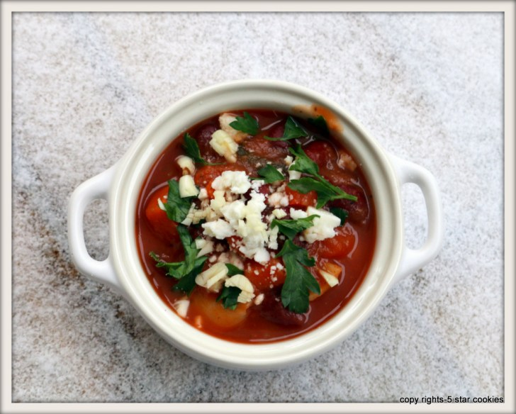 Minestrone soup from best food blog 5starcookies-Magic of minestrone soup and first snow