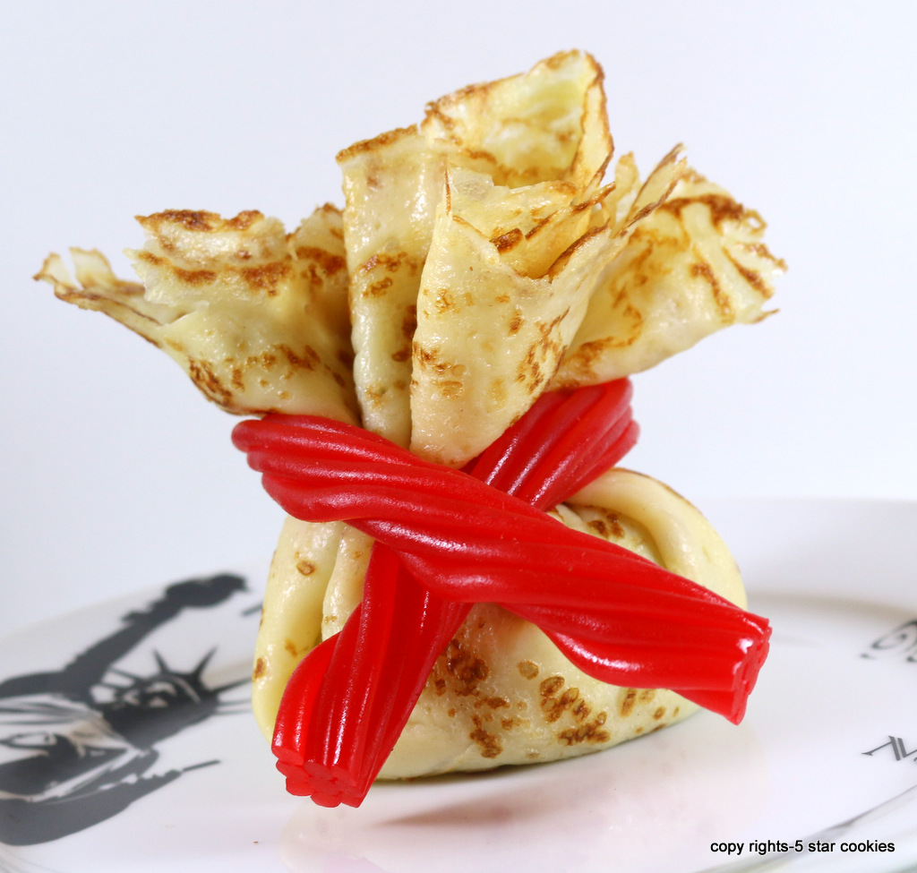 mini crepes treasure bundles from the best food blog 5starcookies - Tie the crepes