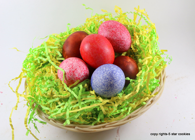 Easter from the best food blog 5starcookies-your colored egg using rice