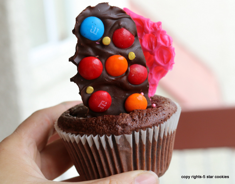 homemade bubble chocolate from best food blog 5starcookies-decorate your baking