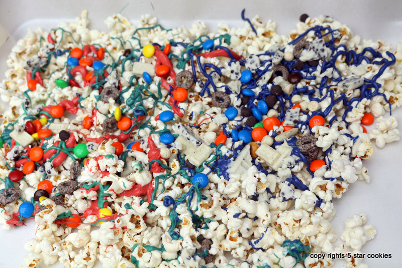 5 star popcorn from the best food blog 5starcookies-while chocolate is still warm add M&M,Oreo cereal