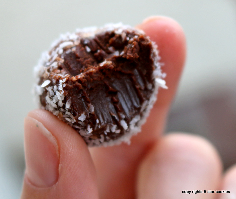 chocolate truffles from the best food blog 5starcookies-easy to make, hard to resist