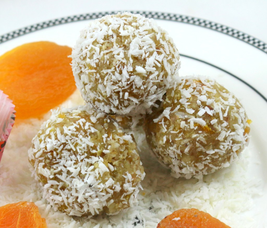 Apricot Coconut Balls from the best food blog 5starcookies