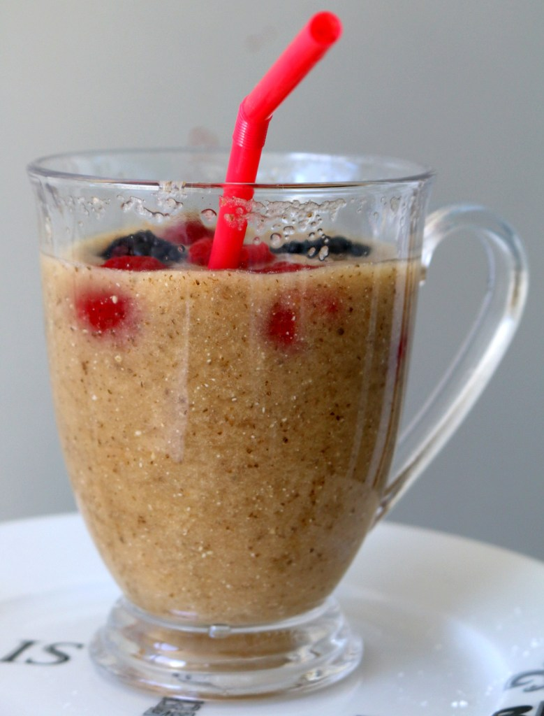 Apple Chia Healthy Drink from the best food blog 5starcookies-blend all  ingredients and enjoy this powerful drink