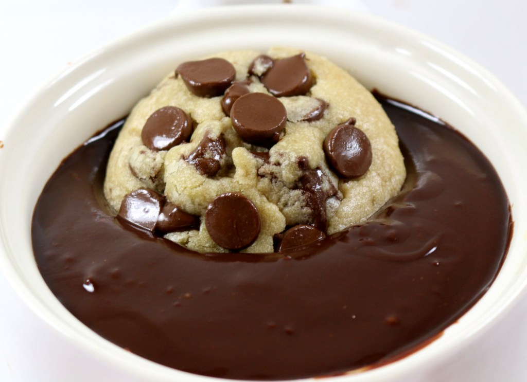 Soft chewy chocolate chip cookies in chocolate dip from the best food blog 5starcookies