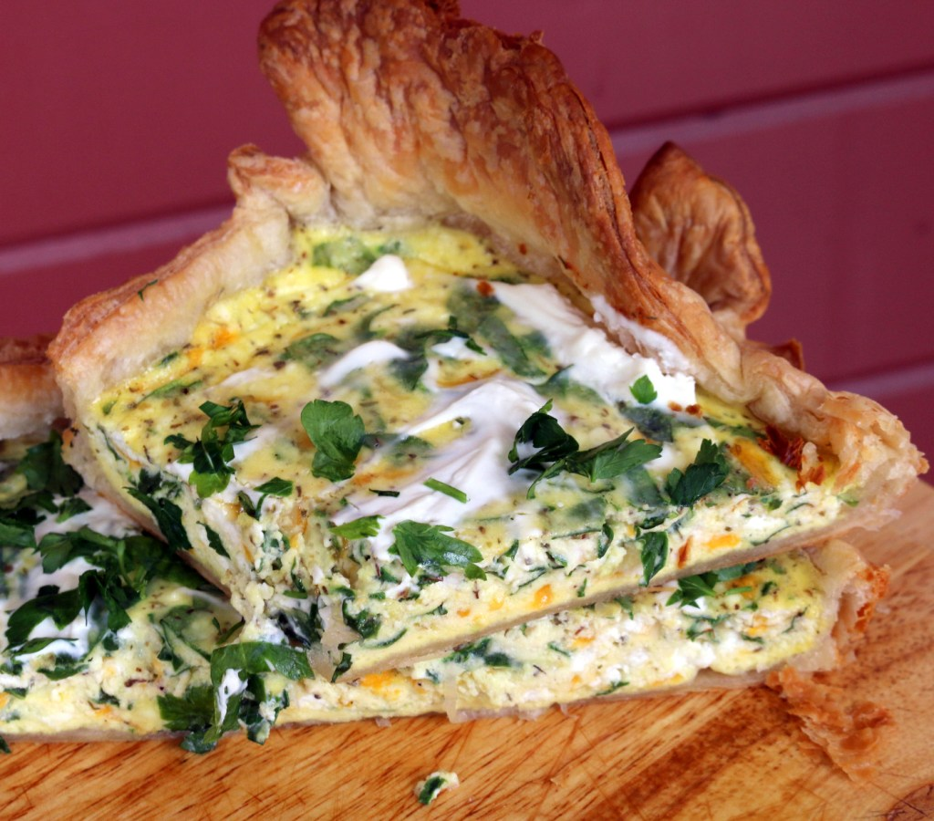 Ricotta and Spinach Quiche from the best food blog 5starcookies - cut into squares and share