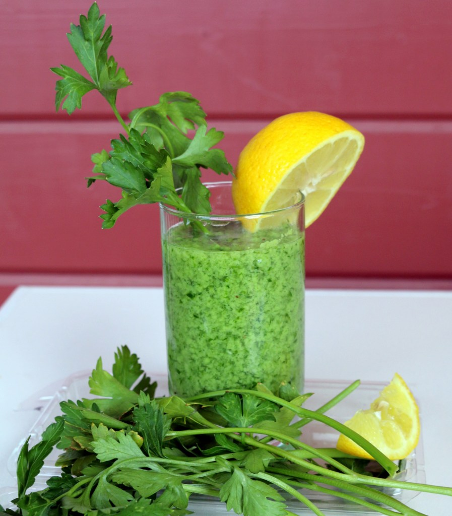 Italian Parsley Banana Lover Drink from the best food blog 5starcookies -you need only Italian parsley, banana and water