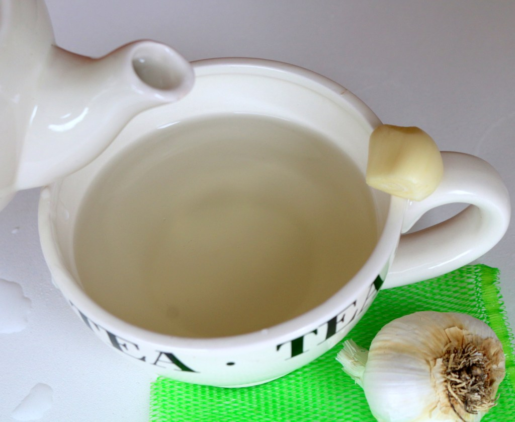 garlic tea from the best food blog 5starcookies -drink this 5 star amazing tea to get rid of urinary track infection