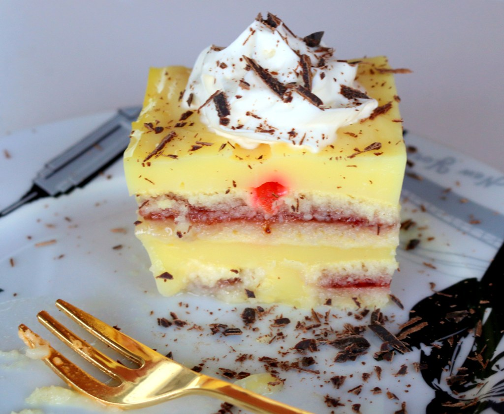 imperial vanilla cake from the best food blog 5starcookies-how to make this amazing cake
