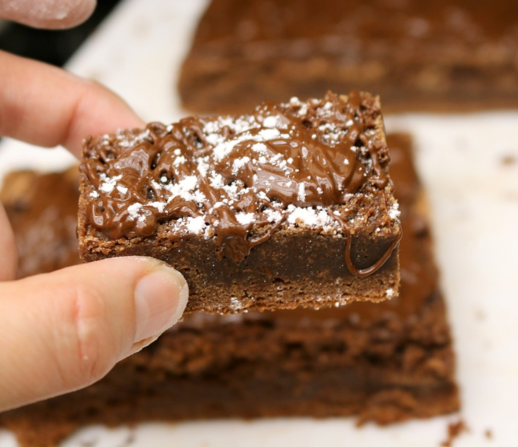 The best fudgy traditional brownies from the best food blog 5starcookies